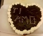Torta con cioccolato, crema pasticcera e panna veg