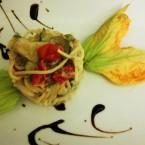 Spaghetti con zucchine e fiori di zucca