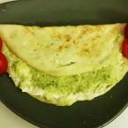 Omelett con pesto e formaggio veg