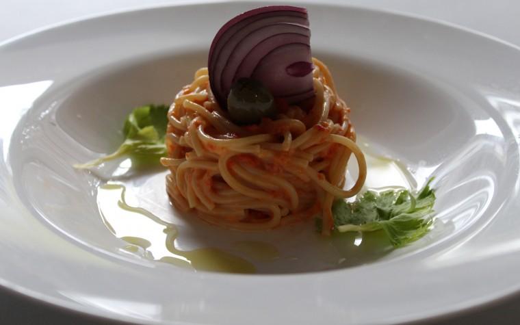 Spaghetti alla salsa di peperone