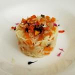 Riso alle carote e fiorellini commestibili