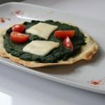 Piadina con spinaci e formaggio